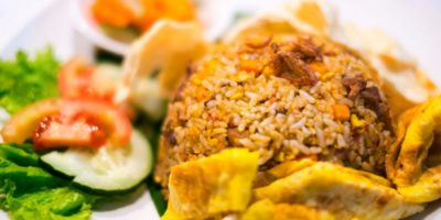 Lezatnya Nasi Goreng Kambing Khas Ruang Tengah Cafe & Restaurant Makassar