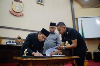 DPRD Kota Makassar Tetapkan Perubahan APBD 2018