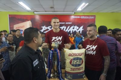CEO PSM Makassar Boyong Trofi Piala Indonesia Ke Pabrik Bosowa Semen