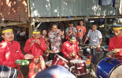 Berkendara Roda Dua Anak Lorongna Makassar Sambangi Warga Barombong