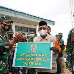 Pangdam Hasanuddin Serahkan Bantuan Sosial Kasad untuk Bencana Gempa Bumi Sulbar