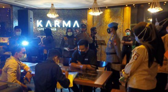 Operasi Justisi, Cafe Karma Makassar Kelabui Petugas